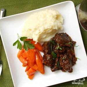 Говядина с овощами, тушенные в вине - фото шаг 4
