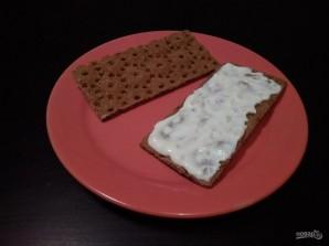 Закуски на хлебцах: 3 вида - фото шаг 5