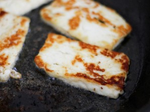 Бутерброды с баклажанами и чесноком - фото шаг 2