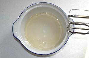 Глазурь для пасхальных куличей без белков - фото шаг 4