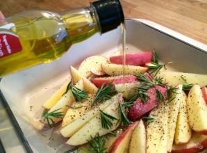 Сочный стейк с запеченным картофелем - фото шаг 2