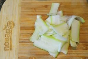 Салат из цуккини, фенхеля и редиса - фото шаг 4