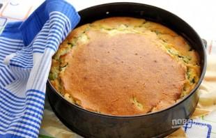 Быстрый заливной пирог с луком и яйцом - фото шаг 9