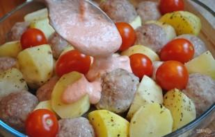 Запеченный картофель с фрикадельками - фото шаг 7