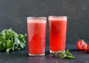 Лимонад с базиликом и клубникой - фото шаг 7