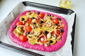 Пицца из свекольного теста с овощами и грибами - фото шаг 7