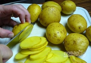 Фарш, картошка и сыр в духовке - фото шаг 2