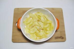 Творожная запеканка с яблоками и манкой - фото шаг 11