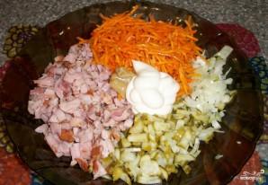 Лаваш с корейской морковкой и огурцом - фото шаг 1
