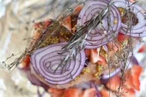 Сочная свинина в фольге с луком и сладким перцем - фото шаг 3