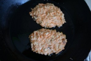 Морковно-яблочные оладьи - фото шаг 5