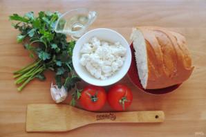 Бутерброды с творогом и помидорами
