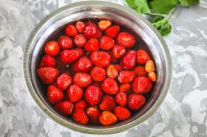 Варенье из клубники (классический рецепт) - фото шаг 2