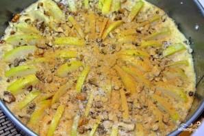 Пирог с яблоками и орехами - фото шаг 7