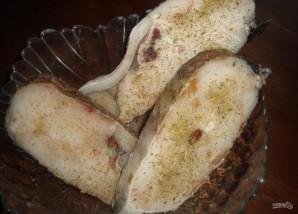 Треска под сметанным соусом - фото шаг 1