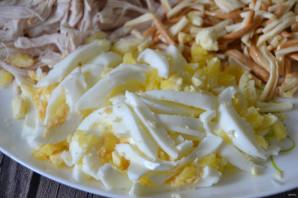 """Салат с копченым сыром """"Косичка"""" - фото шаг 6"""