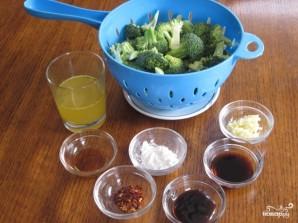 Брокколи в чесночном соусе - фото шаг 1
