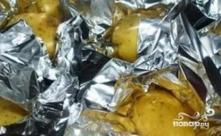 Картофель, запеченный в фольге - фото шаг 3