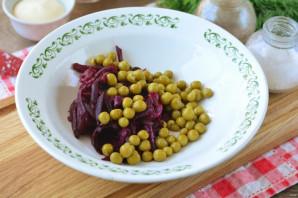 Салат с чипсами и копченой колбасой - фото шаг 3