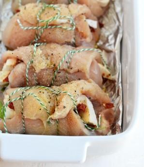 Куриные рулетики в духовке - фото шаг 4