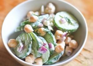 Салат с огурцом и нутом - фото шаг 3