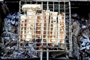 Лаваш с сулугуни на мангале - фото шаг 9