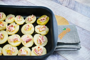 Запеченный хрустящий картофель с сыром - фото шаг 4