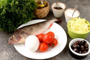 Салат с отварным окунем - фото шаг 1
