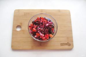Салат из свеклы и помидоров - фото шаг 9