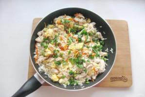 Китайский жареный рис с курицей - фото шаг 13