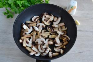 Салат с яичными блинчиками и шампиньонами - фото шаг 7