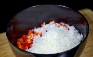 Салат с жареными грибами - фото шаг 5