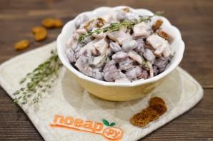 Фасолевый салат с сухариками - фото шаг 6