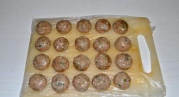 Тефтели куриные в сметанном соусе - фото шаг 2