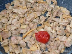 Свинина с замороженными овощами, тушёная в сливках - фото шаг 2
