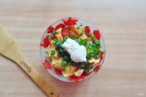 Салат с жареным яйцом и курицей - фото шаг 8