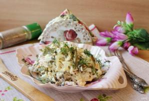 Салат с морской капустой и горбушей - фото шаг 9