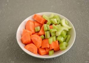 Сок из сельдерея и моркови - фото шаг 2