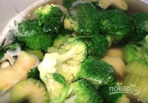 Крем-суп из брокколи с плавленым сырком - фото шаг 2