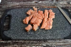 Дрожжевой пирог с красной рыбой - фото шаг 6
