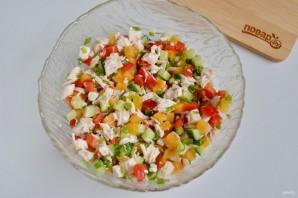 Слоеный салат из хурмы - фото шаг 7