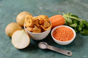 Суп с чечевицей и лисичками - фото шаг 1