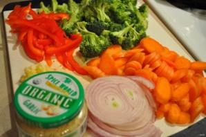 Маринованные куриные крылышки с овощами - фото шаг 2
