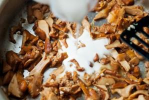 Пирог с лисичками и беконом - фото шаг 3