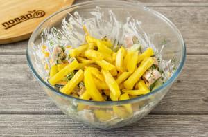 Салат с картофелем фри - фото шаг 7