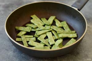 Салат с брюссельской капустой и стручковой фасолью - фото шаг 2