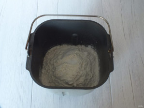 Хлеб на свежих дрожжах в хлебопечке - фото шаг 3