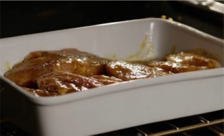 Курица с горчицей в духовке - фото шаг 8