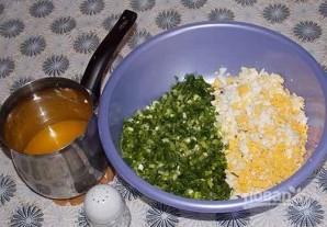 Пирожки с луком и яйцом на дрожжевом тесте - фото шаг 5