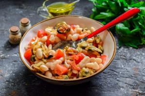 Салат с мидиями и фасолью - фото шаг 7